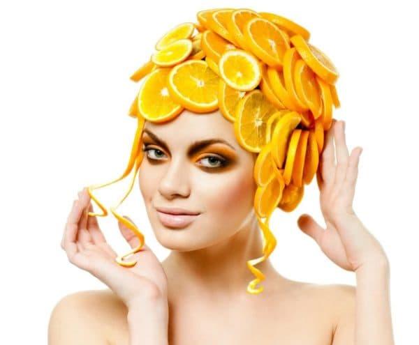 Маска из апельсинов на голове