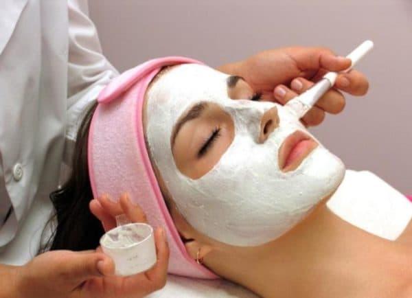 Как наносить альгинатную маску на лицо