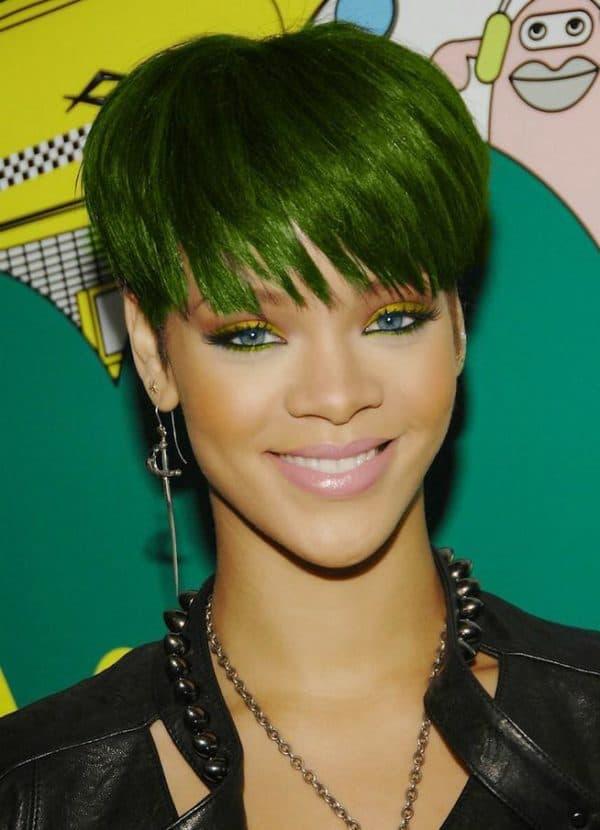Зеленый волосы Рианна