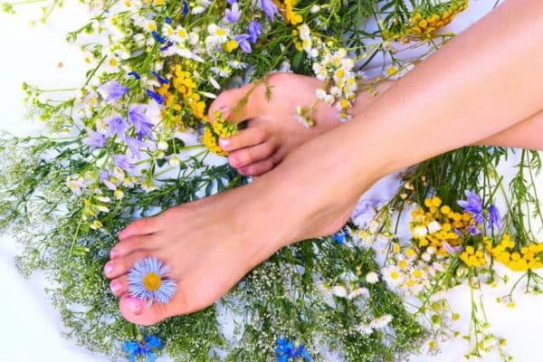 Ванночки с травами для ног от грибка на ногтях