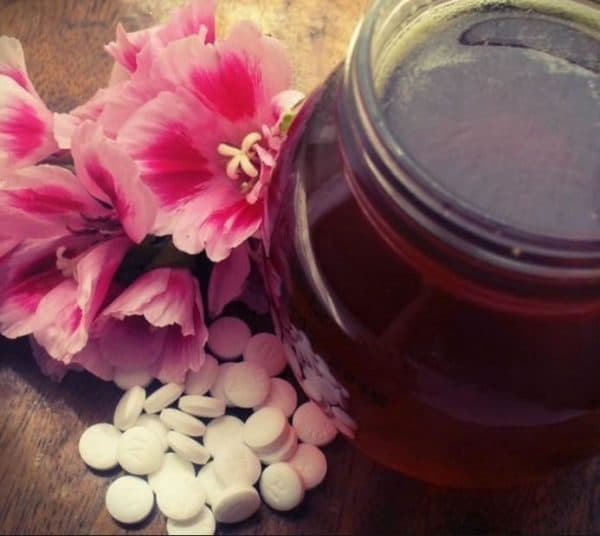 Маска для лица из мёда и аспирина