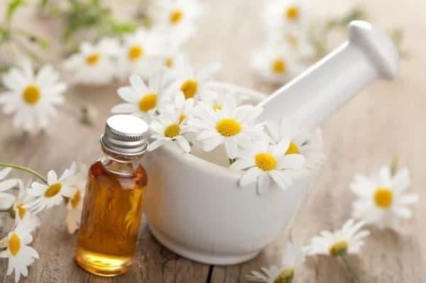 Маска для лица с мёдом, аспирином и отваром ромашки