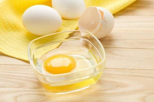 Яичный желток и белок для масок для волос
