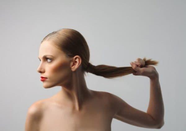 Длинные и крепкие волосы после применения масок с никотиновой кислотой