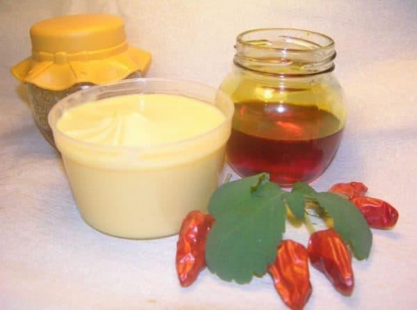 Маска для волос с настойкой красного перца, мёдом и репейным маслом
