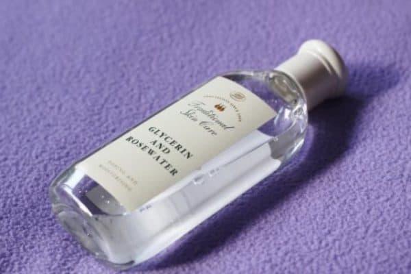 Вода с экстрактом роз и глицерином