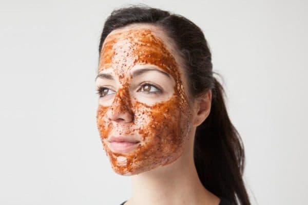 Питательная маска для лица с корицей и мёдом