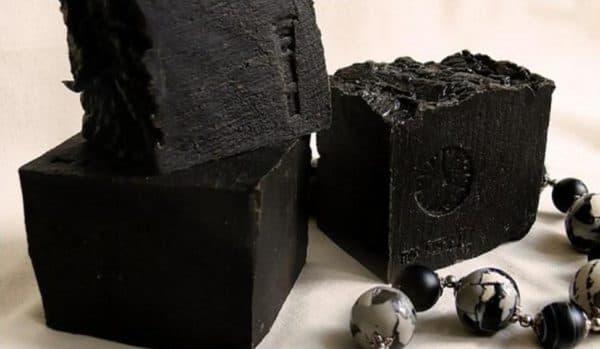 Чёрная глина кусковая