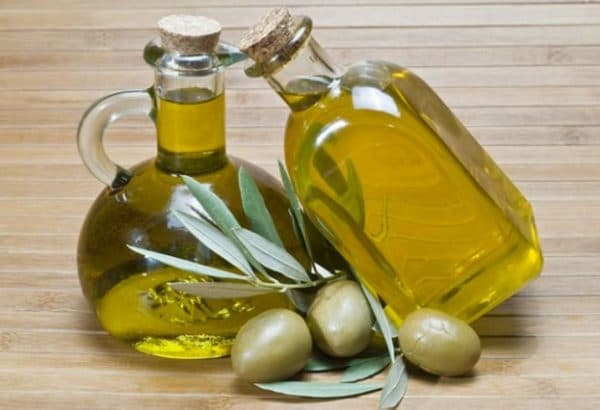 Оливковое масло для сухих кончиков волос