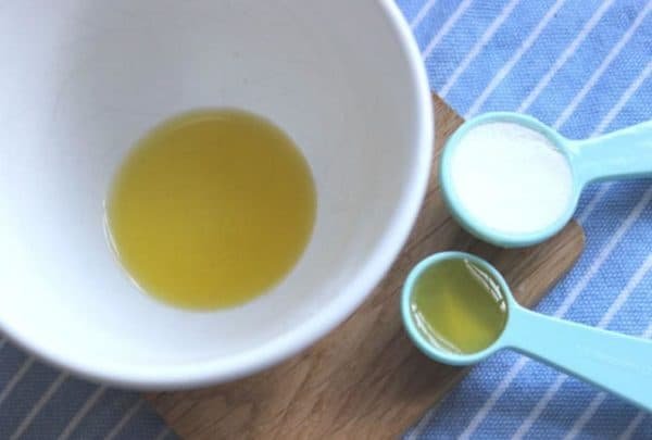 Маска из соды для лица с соком лимона и мёдом