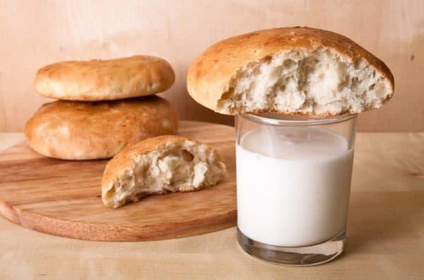 Хлеб и кефир для сухих и ломких волос