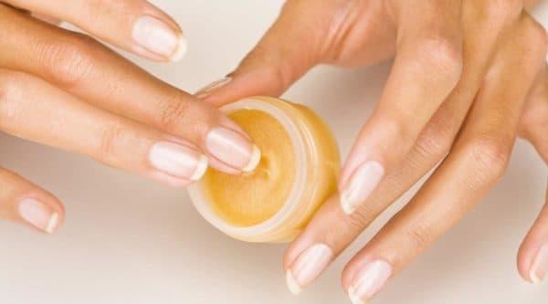 Домашние рецепты восстановления ломких ногтей