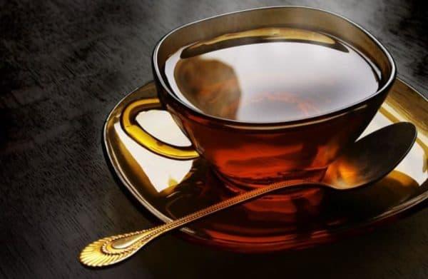 Крепкий чай от пота и запаха под мышками