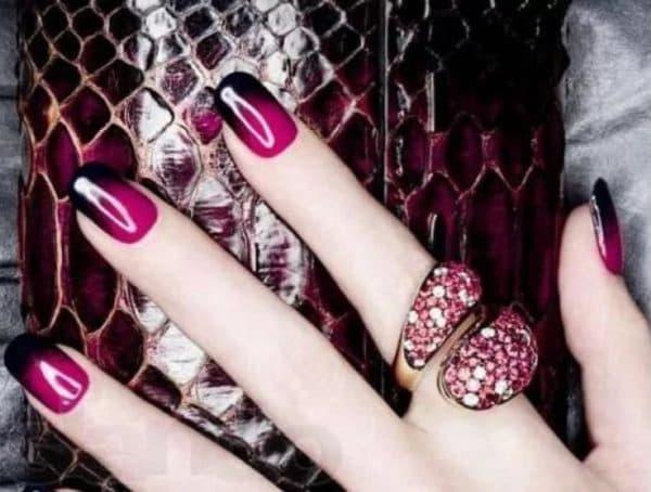 Яркий стиль гель лаком на ногтях омбре