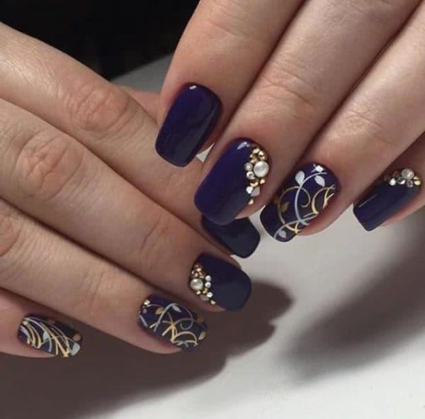Праздничное покрытие ногтей гель лаком