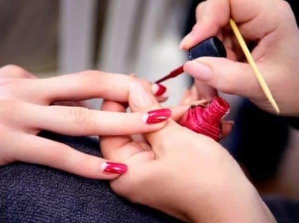Что делать, чтобы не пузырился лак на ногтях