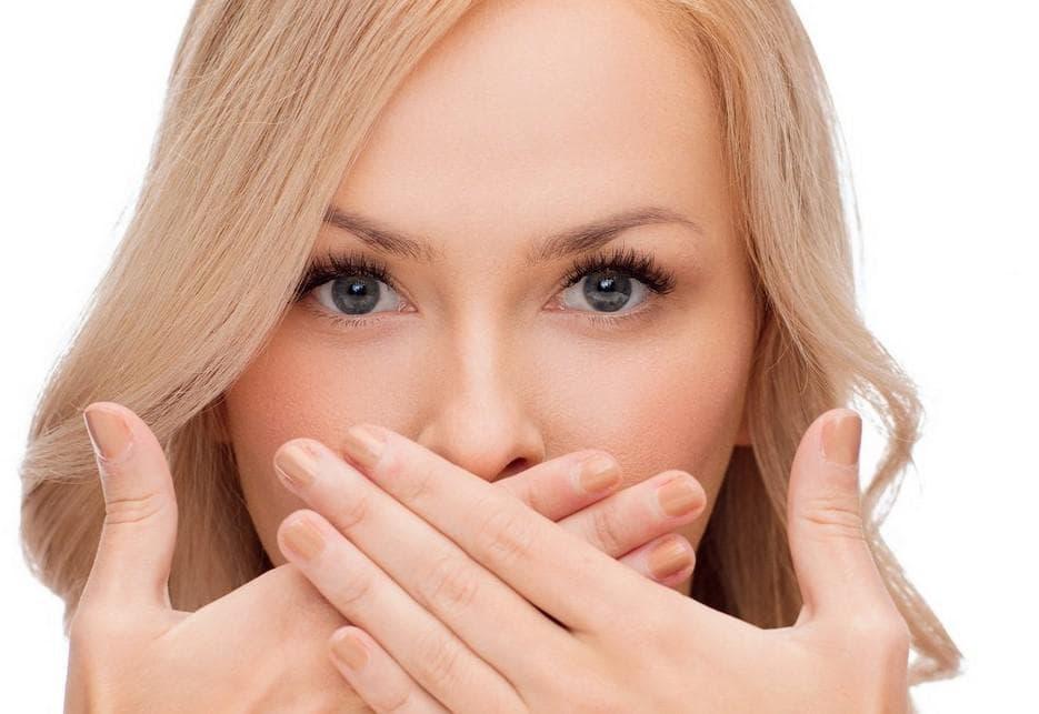 Почему сохнут уголки губ и трескается