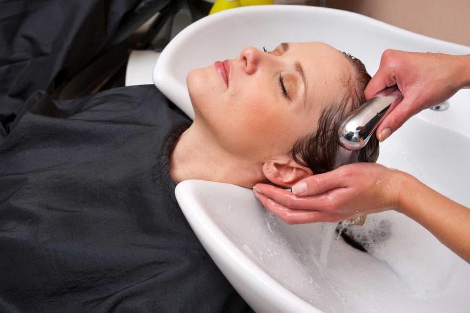 Как выбрать профессиональный шампунь для волос