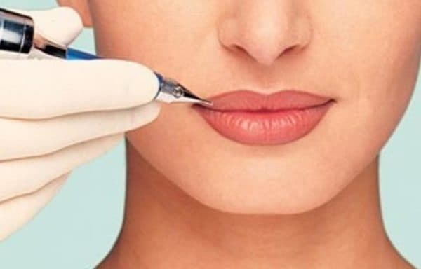 Татуаж контура губ без растушевки