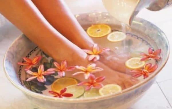 Ванночки с лимоном для лечения грибка ногтей на ногах